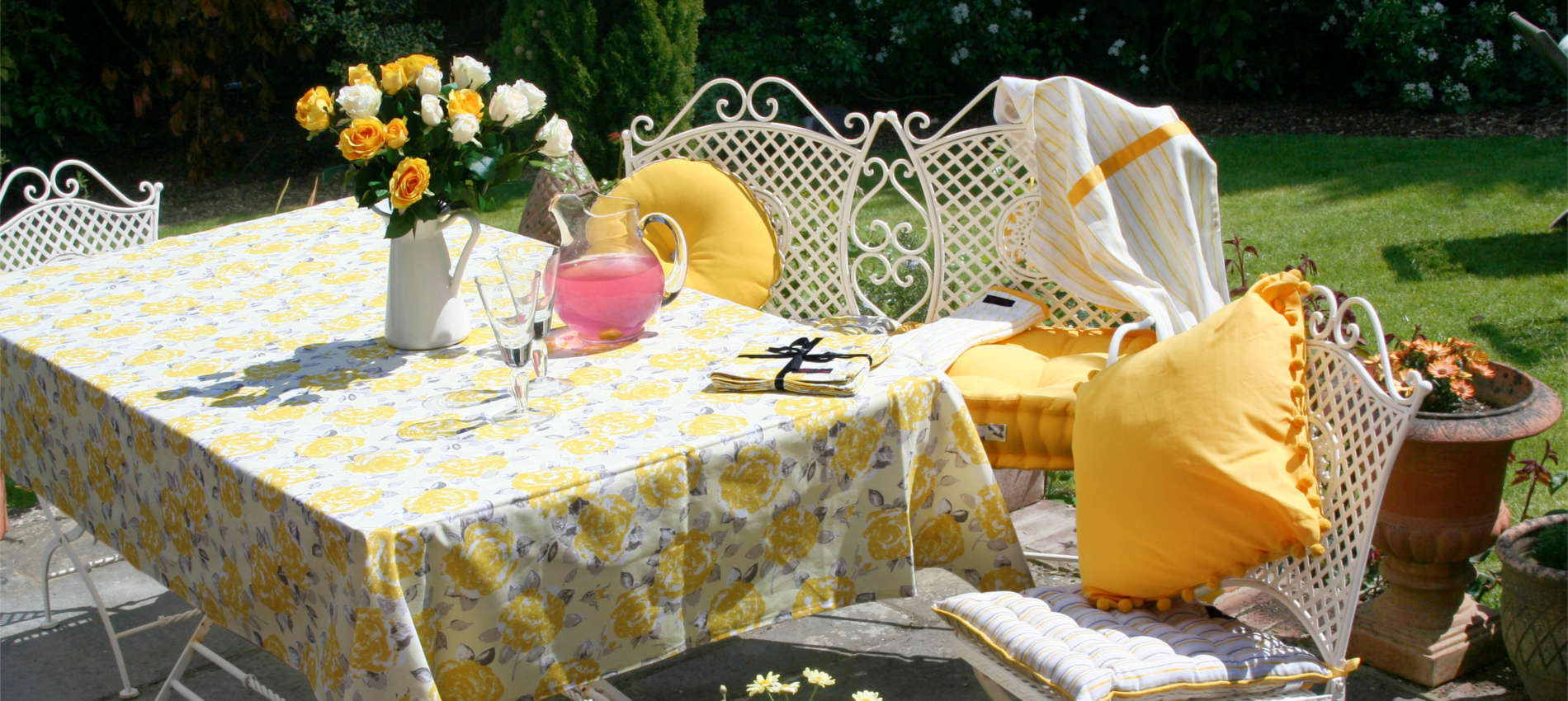 Welcome the Summer with yellow cushions and kitchen accessories from ragged rose