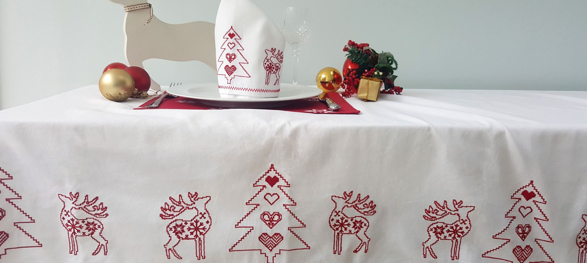 Embroidered Red landscape tablecloth